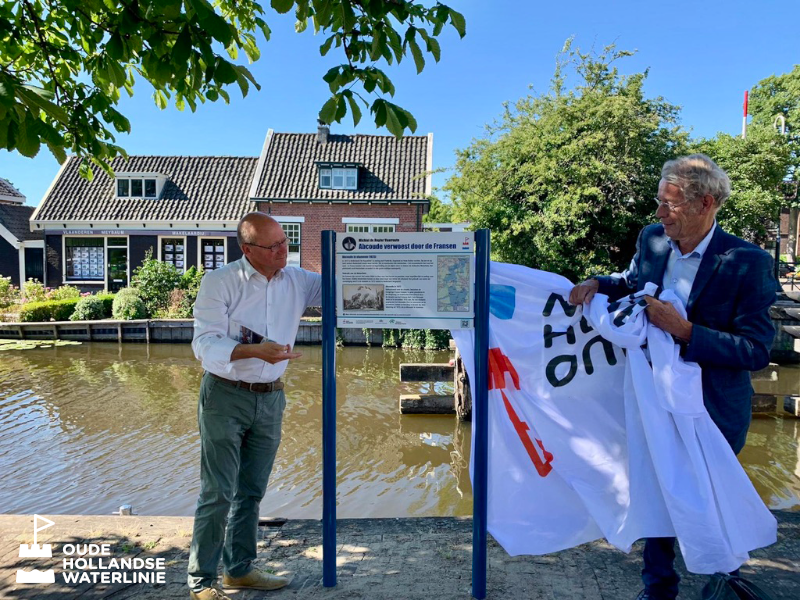 Waterliniesteiger in Abcoude geopend